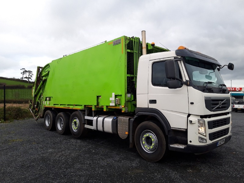 2013 Volvo FM420 Rigid Bin Lorry Right Side
