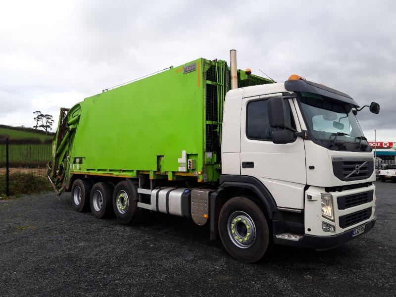 2013 Volvo FM420 Rigid Bin Lorry Right Side
