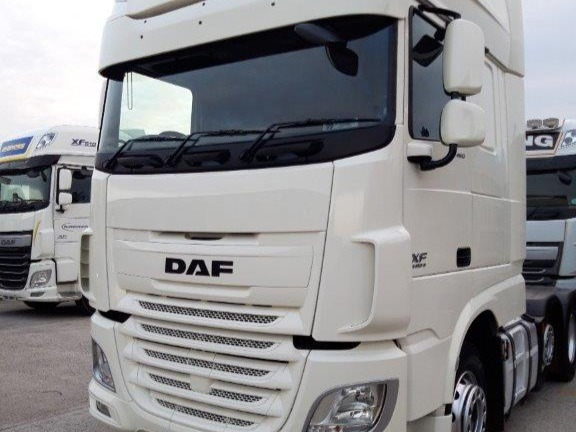 2015 DAF XF460 front
