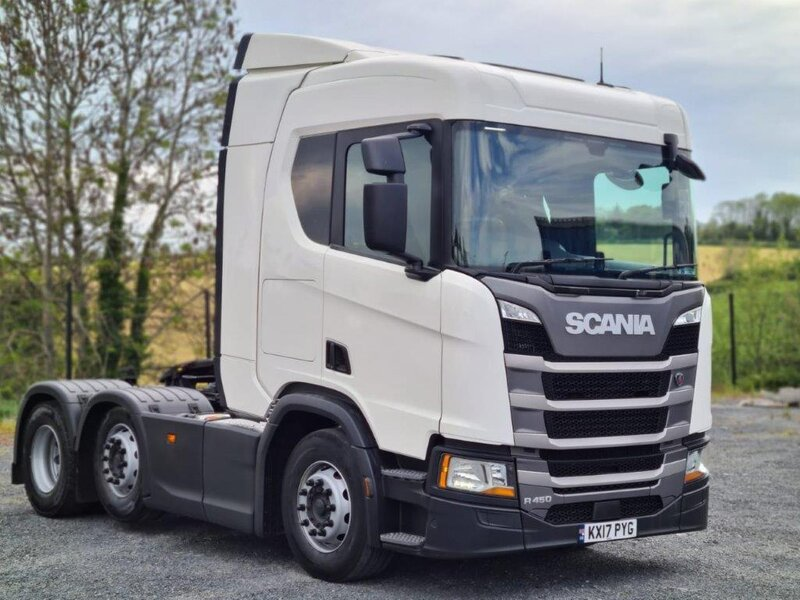 2017 SCANIA R450 Driver side