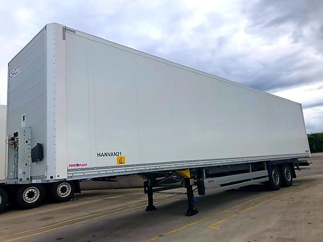 SCHMITZ Insulated Box Van